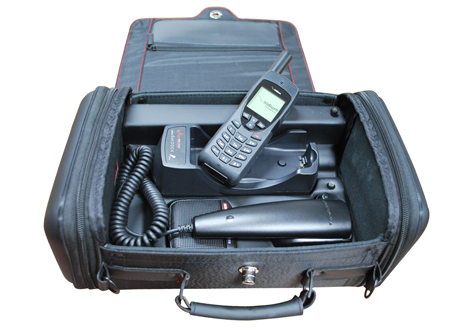 Iridium Beam 9555 RapidSAT Portable Docking Station, soft carry bag